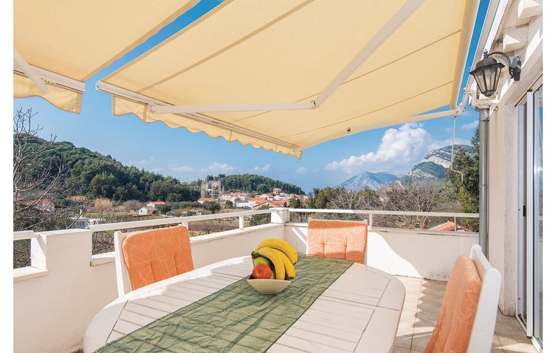 Awesome home in Zuljana with WiFi and 2 Bedrooms (CDP417), holiday rental in Zuljana
