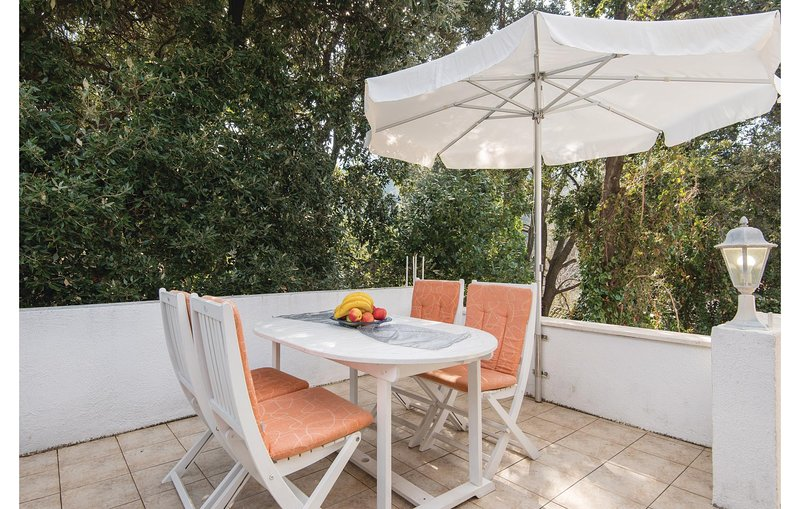 Amazing home in Zuljana with WiFi and 2 Bedrooms (CDP418), holiday rental in Zuljana