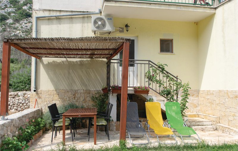 Awesome home in Trstenik with WiFi and 2 Bedrooms (CDP421), holiday rental in Trstenik