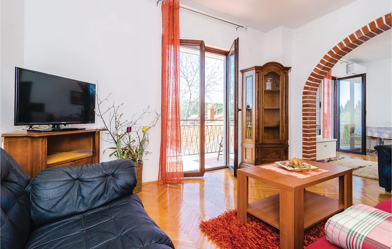 Nice home in Kremena with WiFi and 1 Bedrooms (CDR290), casa vacanza a Opuzen