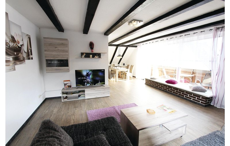 Amazing home in Marienmünster with Sauna, WiFi and 2 Bedrooms (DWE122), casa vacanza a Hoxter