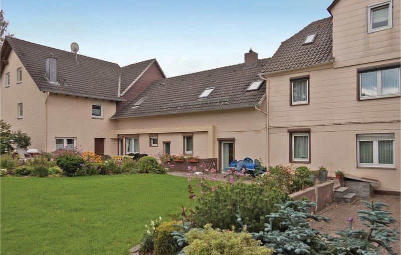 Nice home in Fürstenberg with WiFi and 2 Bedrooms (DWE014), location de vacances à Uslar