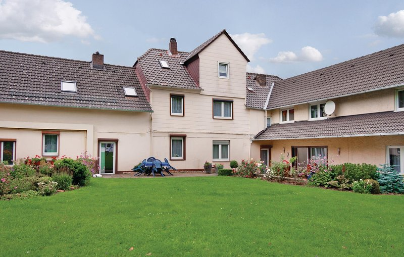 Beautiful home in Fürstenberg-Weser with WiFi and 3 Bedrooms (DWE012), location de vacances à Uslar
