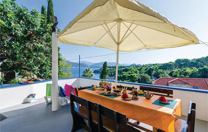Amazing home in Kolocep with WiFi and 3 Bedrooms (CDD698), holiday rental in Kolocep Island