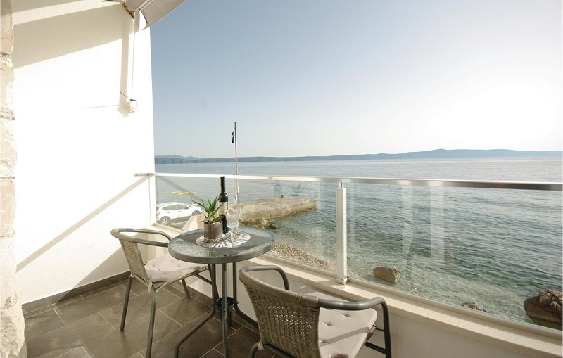 Nice home in Drasnice with WiFi and 1 Bedrooms (CDE092), holiday rental in Drasnice