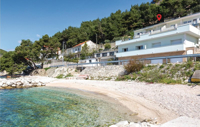 Stunning home in Jesenice with WiFi and 1 Bedrooms (CDE155), alquiler de vacaciones en Jesenice