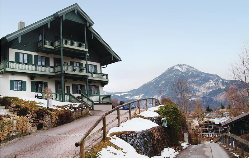 Nice home in Oberaudorf with WiFi and 2 Bedrooms (DBA801), holiday rental in Sachrang