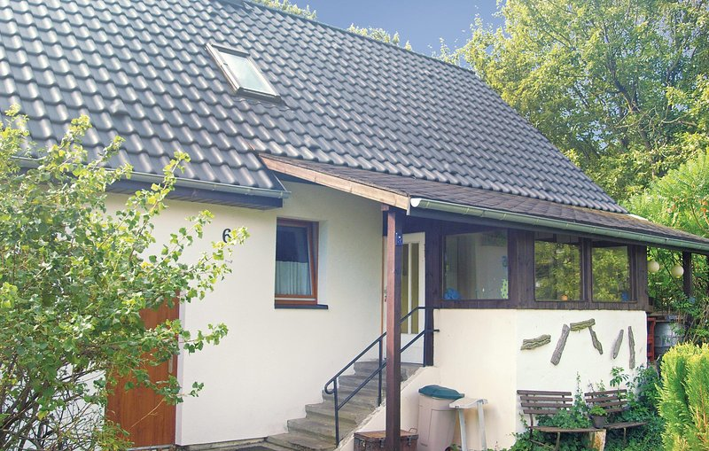 Amazing home in Zechin/ Friedrichsaue with 3 Bedrooms (DBB152), holiday rental in Letschin
