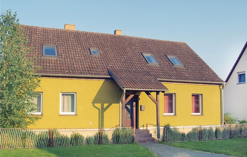 Nice home in Neu Zauche/ Caminchen with 5 Bedrooms (DBB171), holiday rental in Lubben