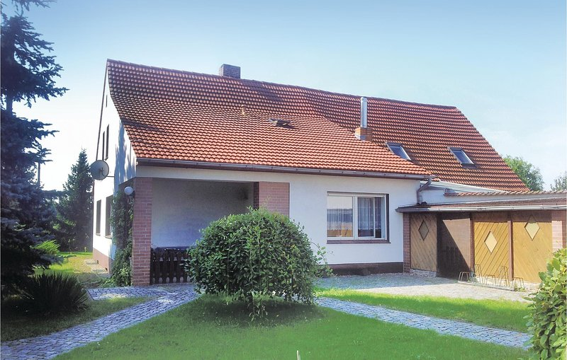 Amazing home in Lübbenau/Gross Beuchow with 3 Bedrooms (DBB199), holiday rental in Lubben