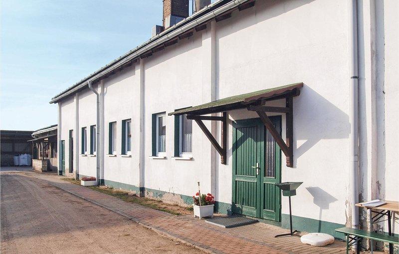 Nice home in Milmersdorf with 4 Bedrooms (DBB277), holiday rental in Gerswalde
