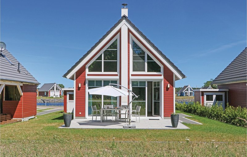Nice home in Zerpenschleuse with 2 Bedrooms (DBB428), casa vacanza a Wandlitz