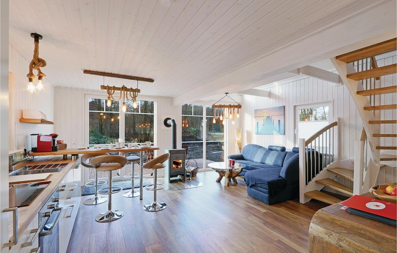 Stunning home in Zerpenschleuse with 2 Bedrooms (DBB424), casa vacanza a Wandlitz