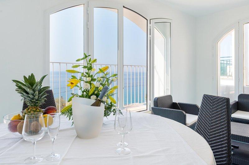 Frontemare Delle Ninfe - Castro, vacation rental in Castro