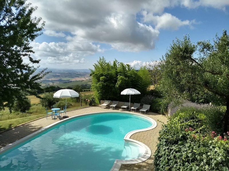 Case Leonori - CORTE, holiday rental in Colle San Valentino