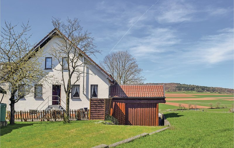 Awesome home in Wiesbaum-Hillesheim with WiFi and 2 Bedrooms (DEI099), holiday rental in Hillesheim