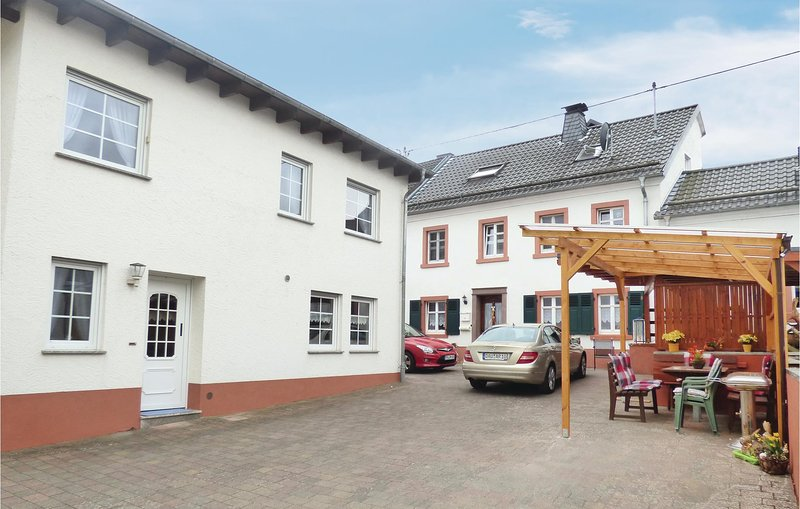 Nice home in Strohn with WiFi and 3 Bedrooms (DEI119), holiday rental in Laufeld