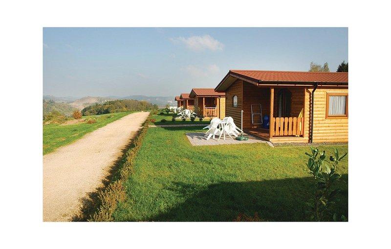 Stunning home in Gerolstein with 2 Bedrooms (DEI155), casa vacanza a Gerolstein