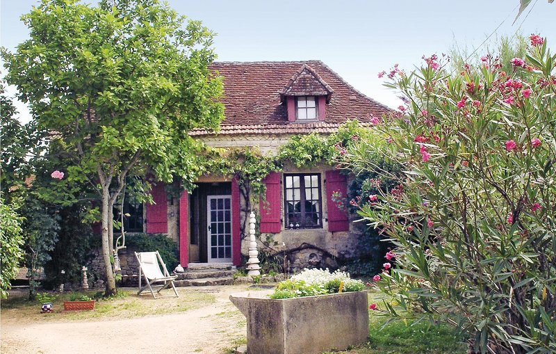 Awesome home in Granges d'Ans with WiFi, Outdoor swimming pool and 2 Bedrooms (F, vacation rental in Granges d'Ans