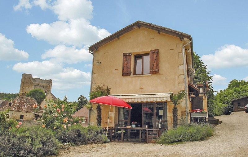Amazing home in Cause de Clerans with 3 Bedrooms (FAD106), location de vacances à Pressignac-Vicq