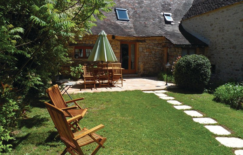 Nice home in Groléjac Les Crouzille with 2 Bedrooms (FAD025), holiday rental in Saint Cirq Madelon