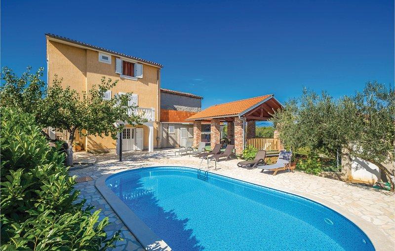 Amazing home in Poljica with WiFi and 4 Bedrooms (CKI015), holiday rental in Poljica