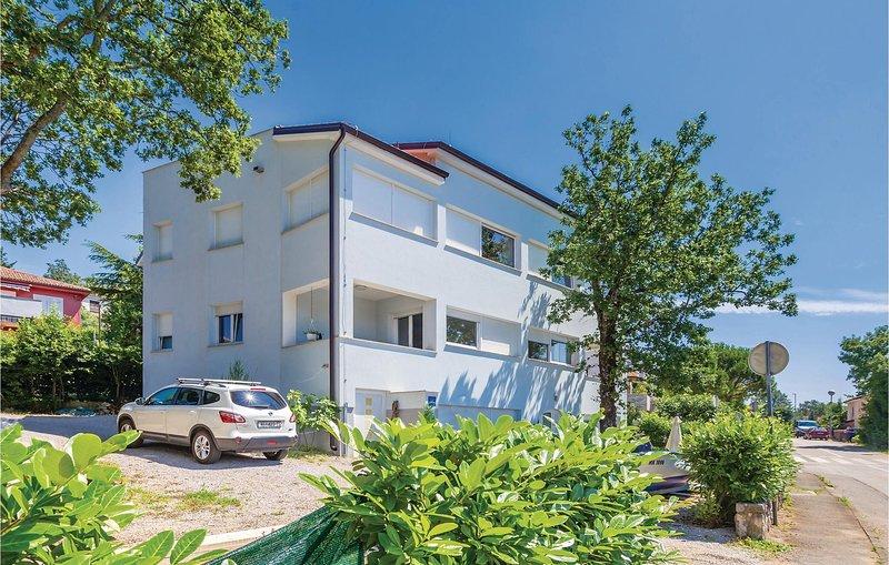 Stunning apartment in Njivice with WiFi and 2 Bedrooms (CKI181), location de vacances à Sveti Vid-Miholjice