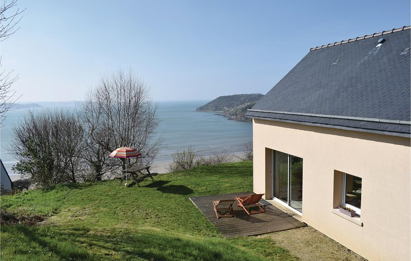 Awesome home in Saint Michel en Greve with WiFi and 3 Bedrooms (FBC636), holiday rental in Saint-Michel-en-Greve