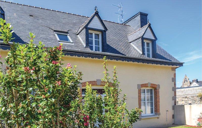 Amazing home in Treguier with 2 Bedrooms (FBC671), location de vacances à Minihy-Tréguier