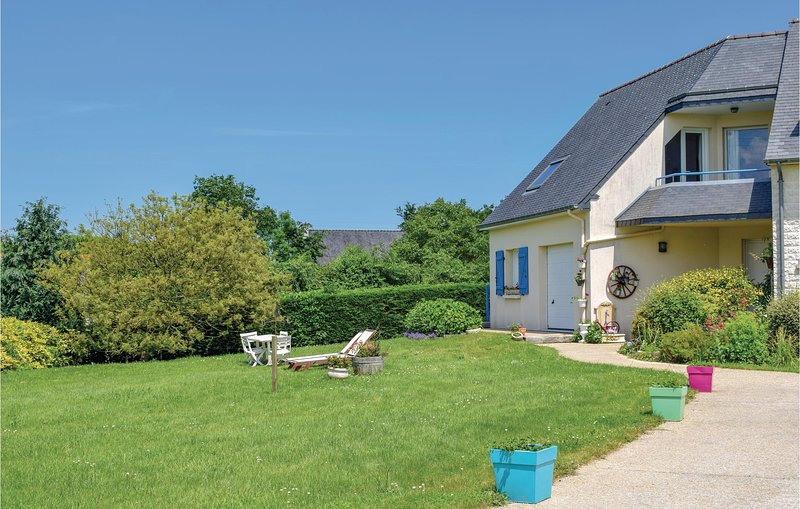 Beautiful home in Matignon with WiFi and 1 Bedrooms (FBC643), holiday rental in Matignon
