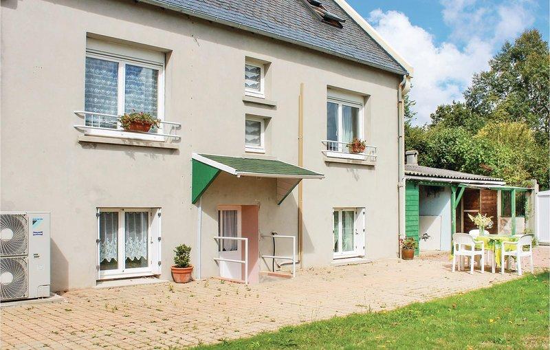 Beautiful home in Plouzane with WiFi and 0 Bedrooms (FBF009), aluguéis de temporada em Saint-Renan