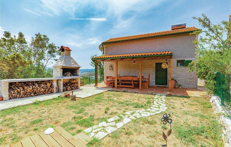 Beautiful home in Silo with WiFi and 2 Bedrooms (CKK673), location de vacances à Polje