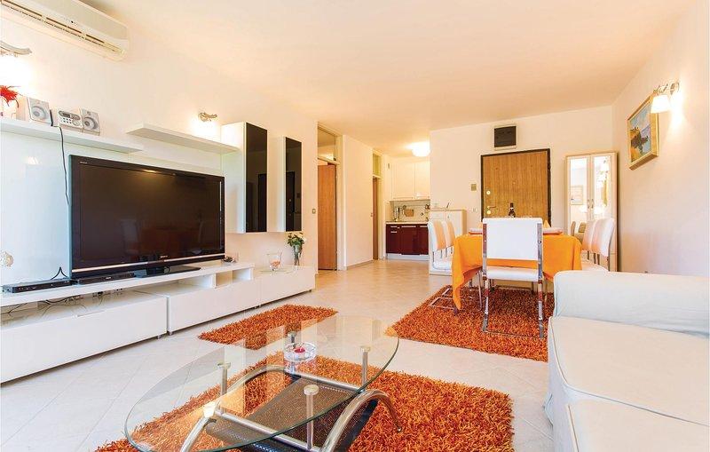 Amazing home in Njivice with WiFi and 1 Bedrooms (CKK697), location de vacances à Sveti Vid-Miholjice