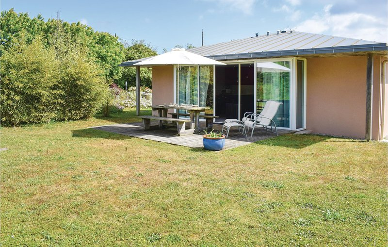 Nice home in Guisseny with WiFi, 3 Bedrooms and Sauna (FBF217), alquiler vacacional en Guisseny