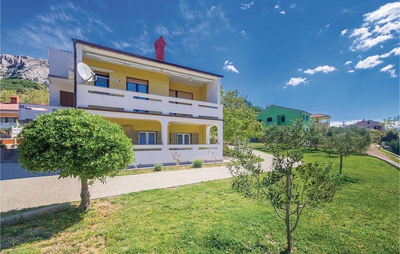 Beautiful home in Jurandvor with WiFi and 2 Bedrooms (CKK726), location de vacances à Jurandvor