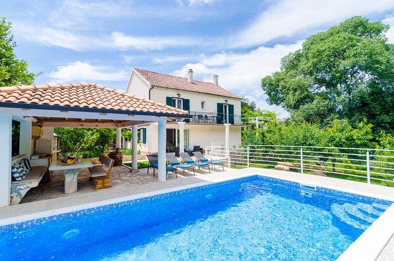 Beautiful Countryside Villa, alquiler vacacional en Njivice