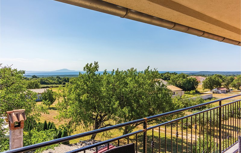 Awesome home in Valtura w/ WiFi and 2 Bedrooms (CIC956), location de vacances à Valtura