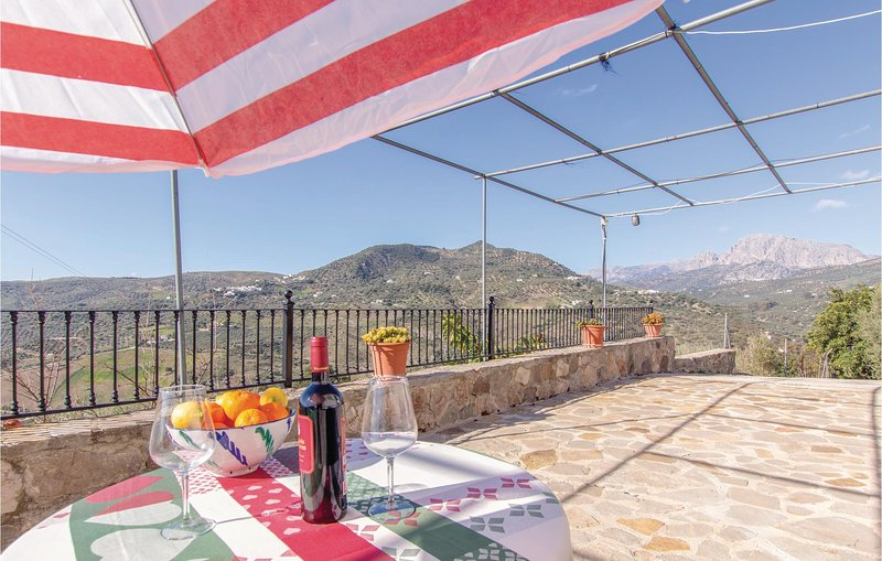 Amazing home in Periana with 3 Bedrooms (EAN598), holiday rental in Periana