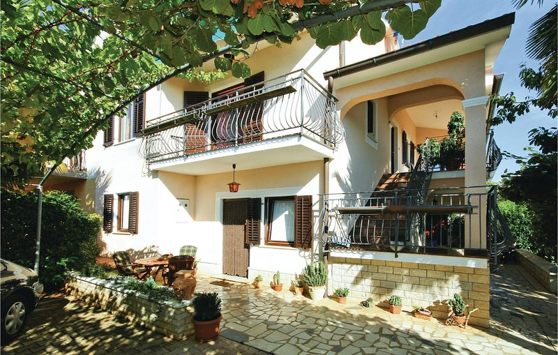 Nice home in Porec with WiFi and 1 Bedrooms (CIE263), holiday rental in Nova Vas