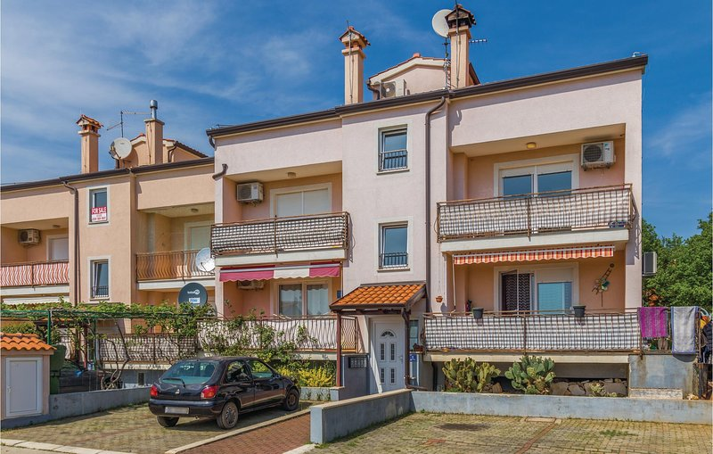 Nice home in Kukci with WiFi and 2 Bedrooms (CIE267), location de vacances à Kukci