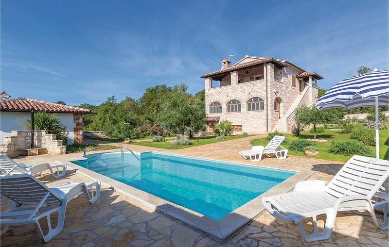 Pour des vacances en famille réussies (CIE420), vacation rental in Baderna