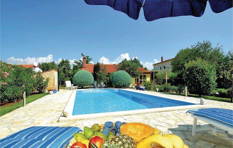 Amazing home in Zbandaj with WiFi and 0 Bedrooms (CIE549), alquiler vacacional en Zbandaj