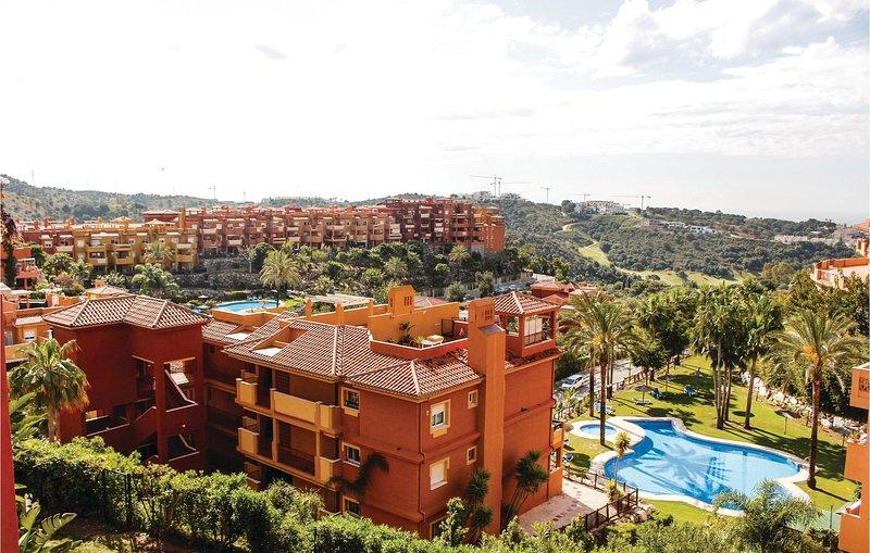 Amazing home in Marbella with WiFi and 2 Bedrooms (EAS093), alquiler vacacional en Artola