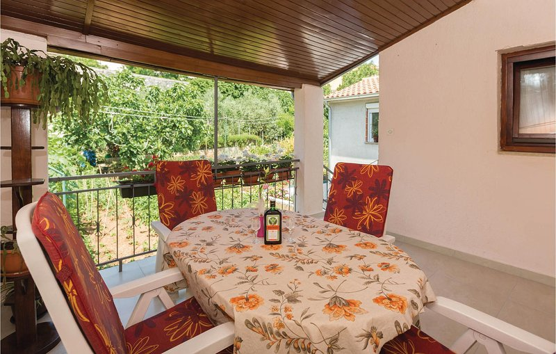 Amazing home in Vrsar with 2 Bedrooms (CIE578), holiday rental in Vrsar