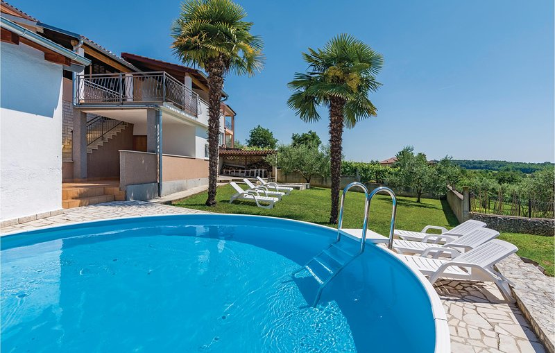Nice home in Fuskulin with WiFi and 4 Bedrooms (CIE603), holiday rental in Fuskulin