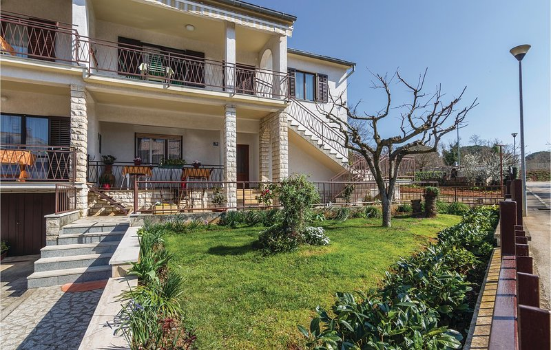 Amazing home in Porec with 2 Bedrooms (CIE584), holiday rental in Mali Maj