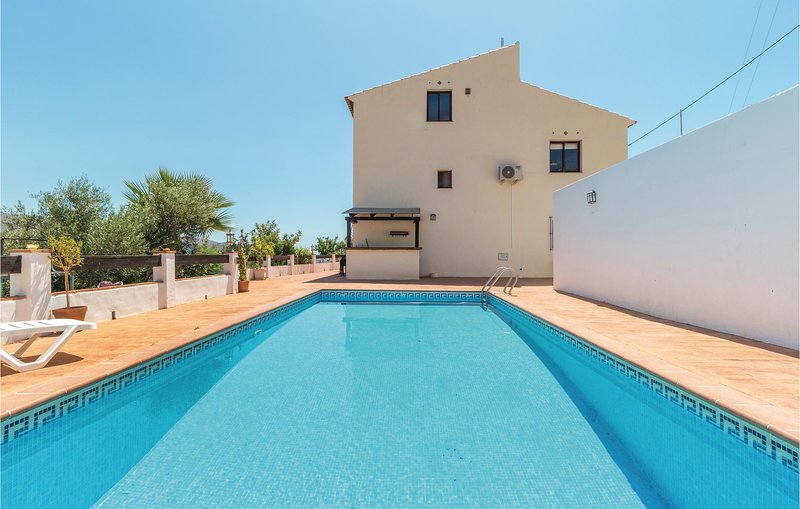 Awesome home in Jete with WiFi and 3 Bedrooms (EAT032), holiday rental in Jete