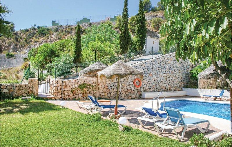 Stunning home in La Herradura/Almuñécar with WiFi and 2 Bedrooms (EAT027), alquiler de vacaciones en La Herradura