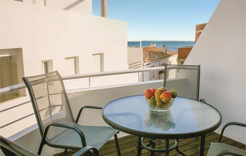 Beautiful home in Casarones with 2 Bedrooms (EAT035), vacation rental in Castillo De Banos