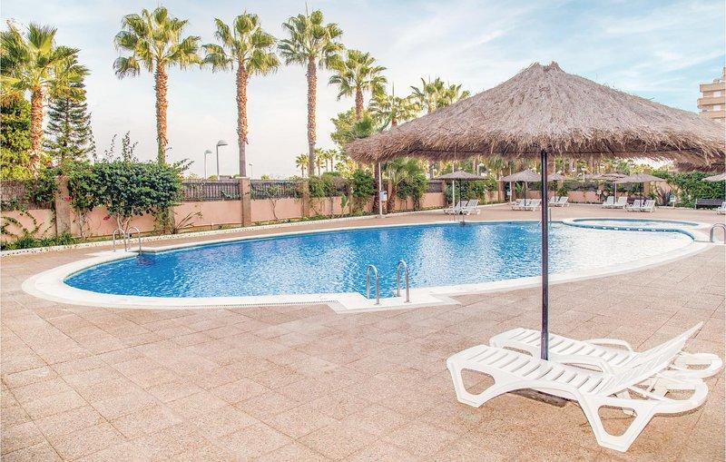 Beautiful home in Oropesa del Mar with WiFi and 2 Bedrooms (EBA026), alquiler de vacaciones en Cabanes